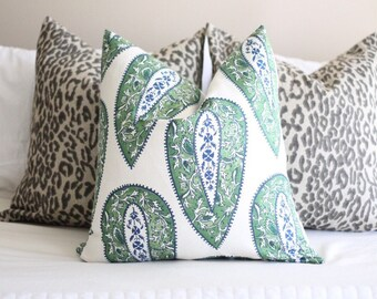 Lacefield bindi kelly, kelly green pillow covers, paisley, lacefield fabrics, designer fabrics, green pillow