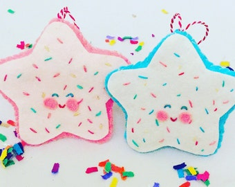 Sugar cookies felt ornament.