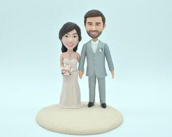 Custom wedding cake topper with dogs, personalized cake topper, Bride and groom cake topper, Mr and Mrs cake topper