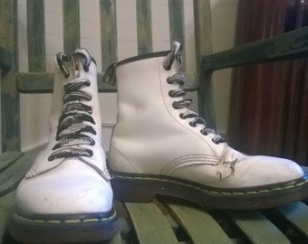 Well worn vintage Dr. Martens white boots size 5 mens, 7 womens
