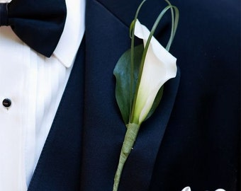 Calla lily boutonniere made of cold porcelain, bridal accessories, calla lily flowers, groom boutonniere, mens accessories