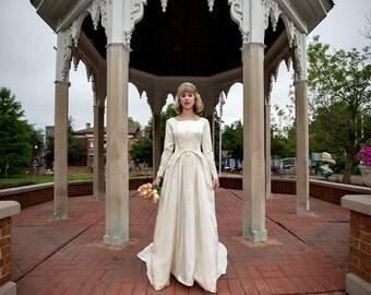 1940s Vintage Winter wedding dress