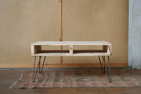 palette recycl e bois 2 niveau table basse par sunnysideinteriors. Black Bedroom Furniture Sets. Home Design Ideas