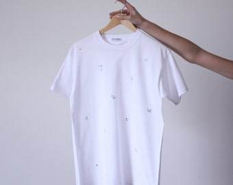 White man T-shirt cotton patterned hand-embroidered symbols