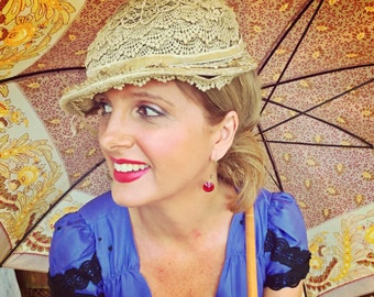 Vintage 50's Lace and Velvet Fascinator Hat Parisian Deco Look