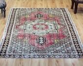 Vintage rug  3.9 x 5.6 ft ( 119 cm x 170 cm)