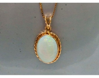 Gold yellow and Opal former pendant Mineralife