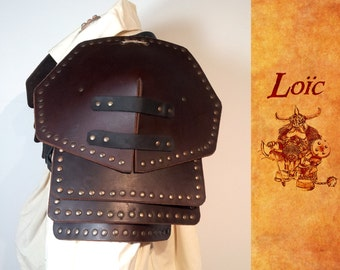 Shoulder pads riveted leather buffalo, piece of medieval armor