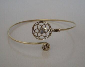 A Brass Arm Band / Upper Arm cuff Brass Armlet / Brass Armlet / Rainbow Moon Armlet / Tribal Armlet / Gypsy Armlet Armband / One Pecs.