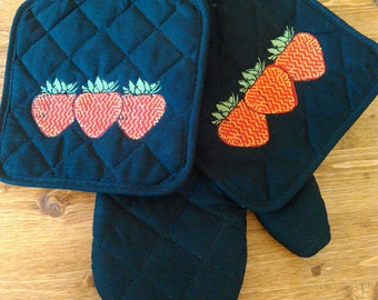 Strawberry Potholder Set
