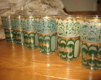 Glass tea Moroccan Arabic on the glass green and gold inscription. (6)