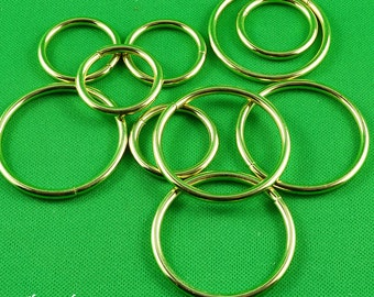 5 brass rings 1 '' (2.5 cm) or 1.5 inch (4 cm) they are ideal for making your bird toys !