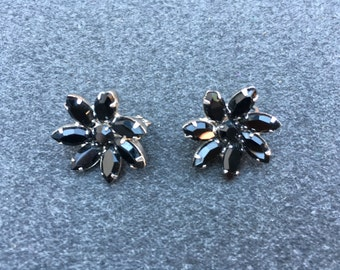 Vintage Black Rhinestone Flower Earrings 0676