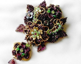 Stanley Hagler & Ian St Gielar Hand Wired Amethyst Color Glass Beads Brooch Pin Signed