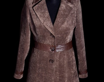 Women's coat, tailored implementation, Brown with leather details
