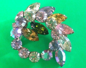 Vintage Weiss Rhinestone Pin With Multicolored Stones