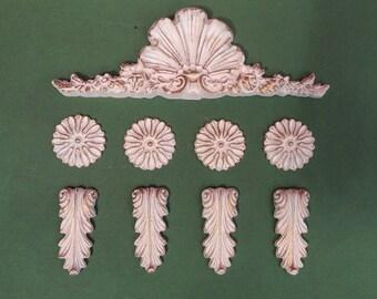 Set of nine decorative sabby chic mouldings