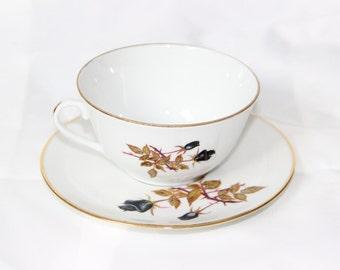 Mug white with black roses