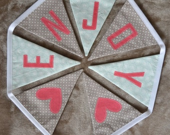 Garland of cotton beige and green pennants
