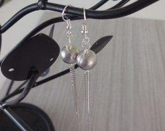 Silver dangling earrings - long