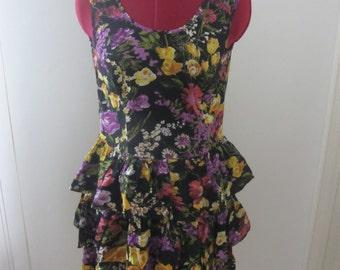 Flowered dress size 8US