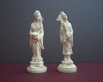 A Pair of A Giannelli Alabaster Sculpture Oriental Figurines