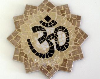 "AUM STAR mosaic creation ॐ""- object of decoration in mosaic - Diam. 15 cm"