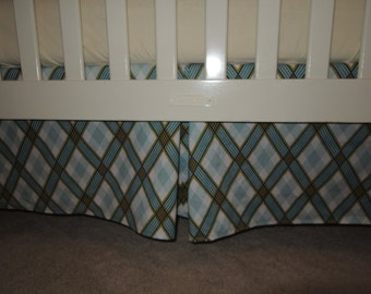 Plaid Crib Skirt with Pleat