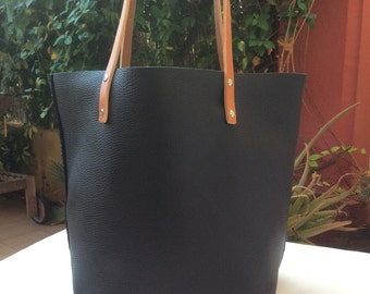 Shopping bag. Black leather tote bag. Shoulder bag