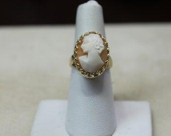 Vintage 14K Y/G Cameo Ring