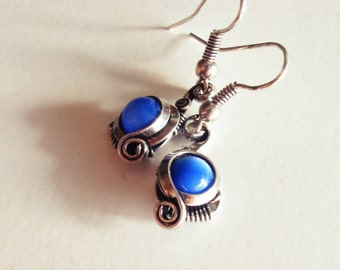 Ethnic earrings - electric blue