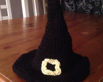 Babys crochet witches hat