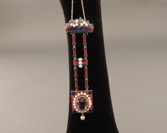 Pendant-18 ct gold Art Deco Brooch. with enamels, Amethyst from 6 ct, pearls and precious stones