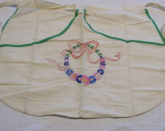 Vintage Linen Apron, Vintage hand embroidered Pinny/Housewifes Apron 1940's
