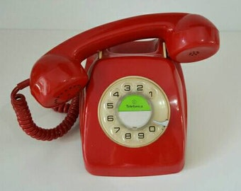 Red telephone Herald