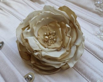 Wedding Hair Flower, Bridesmaids Hair Flower, Corsage flower, Flower Brooch, Bridal Flower, Bridesmaids Flower, Ivory Champagne Flower