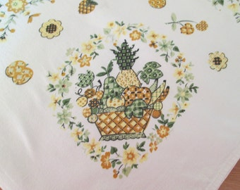 Cheerful Sunny Vintage 1950's heavy Cotton Tablecloth
