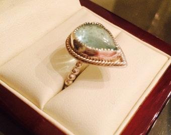 Aquamarine gemstone ring.  Size 8 1/2-9.
