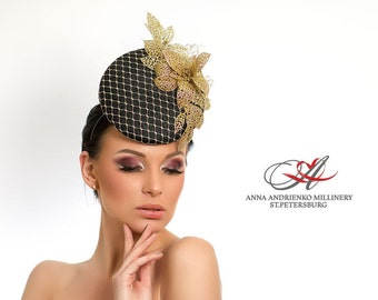 Black and Gold Fascinator, Melbourne Kentucky hat, Royal Ascot hat, Wedding quest mini hat, evening party dress hat, Derby Hat.