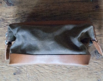 Waxed canvas & Leather Toiletry Bag