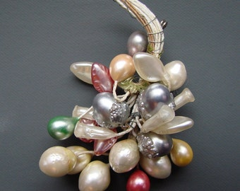 Vintage 1930s/1940s 30s/40s Wax Bead Flower BROOCH/PIN