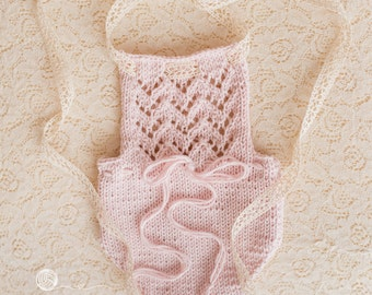 UK Seller, Newborn Romper, 3-6 Month Romper, 6-9 Month Romper, Pale Pink Romper, Lace Detail Romper, Hand made,6-12 month girl, Sitter.