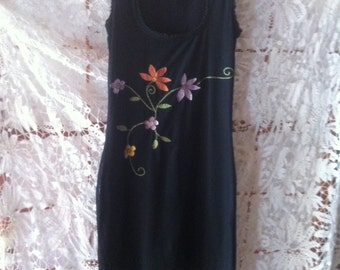 Stretch dress with black floral embroidery coccia
