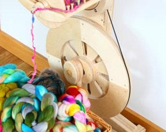Spinolution Echo Spinning Wheel - 4 Ounce Set Up