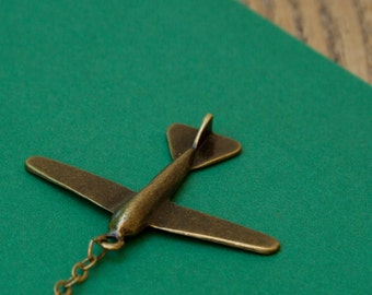 Necklace travel by plane