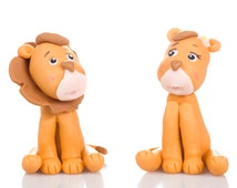 Lion Couple Cake Topper. Handmade in Cold Porcelain. Birthday / Wedding