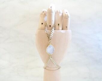 GYPSY - bracelet de main - bijoux corps - bracelet chaine, laiton - quartz druzy connecteur - chaine gourmette - bague, pierre - ethnique