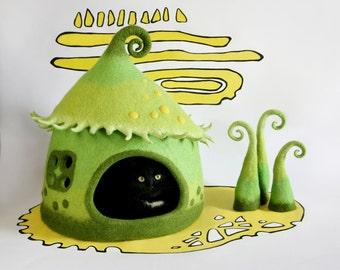 Сat cave, Сat house, Сat bed, Pet bed, Lime cat cave, Green yellow lime cat cave, Green, Felt cat cave, Fairy taile cat cave