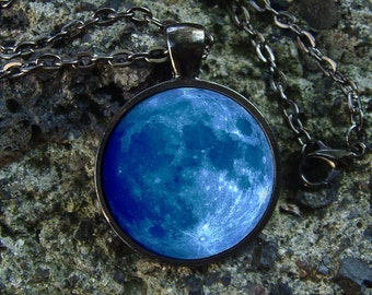 Glowing Necklace Blue Moon / Glow in the dark / Glow Moon / Glowing Moon / Glowing in the dark / Space Pendant / Moon Necklace / Cosmos