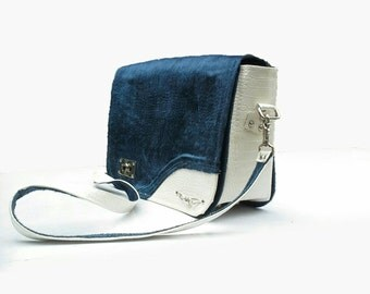 Navy blue Messenger bag mixed with patent